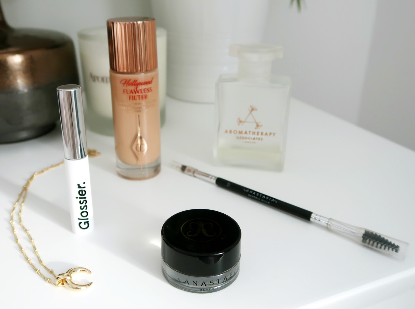 Best discoveries of 2018 you need to try, Best of beauty, Charlotte Tilbury Hollywood Flawless Filter review, Glossier Boy Brow Review, Anastasia Beverly Hills DipBrow Pomade and Brush 12 reviews, Aromatherapy Associates De-stress Mind Bath & Shower Oil Review