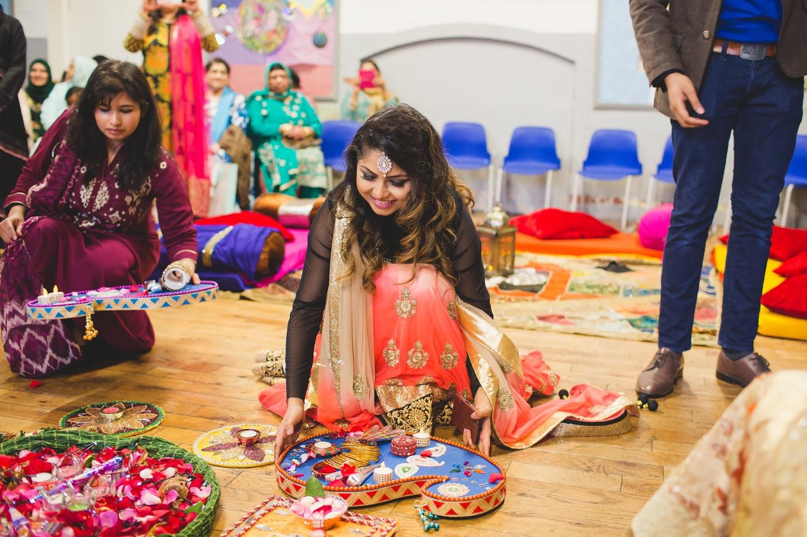 Mehendi Ceremony Look : Get gawjus henna mehndi ceremony outfits makeup