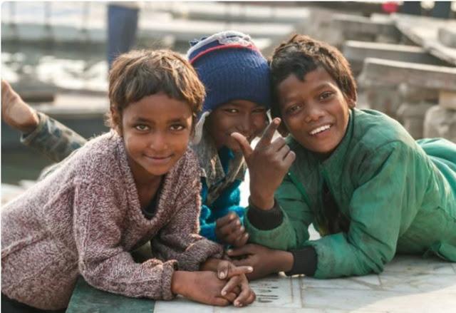 Дети индийских трущоб. Снимки, на которые и впрямь тяжело смотреть