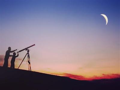 """تعليق جديد من رئيس معهد الفلك على الهلال: """"لا نضمن رؤيته"""""""
