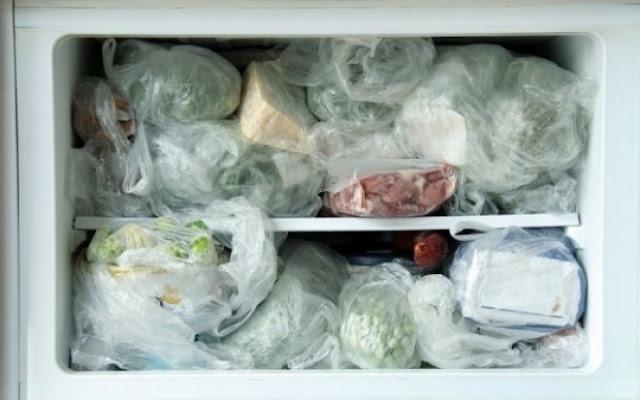 Αν βάζετε αυτά τα 8 τρόφιμα στην κατάψυξη σταματήστε