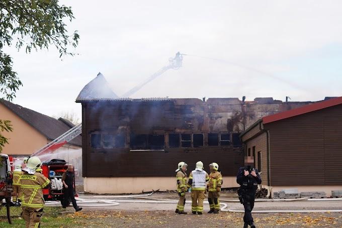 Brand einer Lagerhalle in Roitzsch