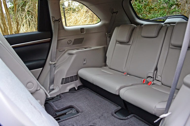 why are your third row seats of suv mpvs totally unsafe wagenclub blog on cars cvs bikes. Black Bedroom Furniture Sets. Home Design Ideas