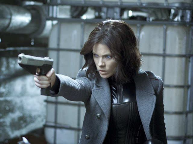 kate backinsale as selene in underworld awakening