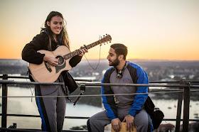 Tips Bermain Gitar : Mengganti Nada Dasar Sebuah Lagu