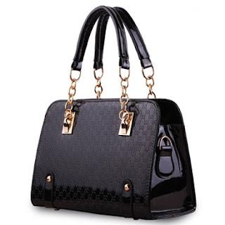 simple black bag for elegant ladies.