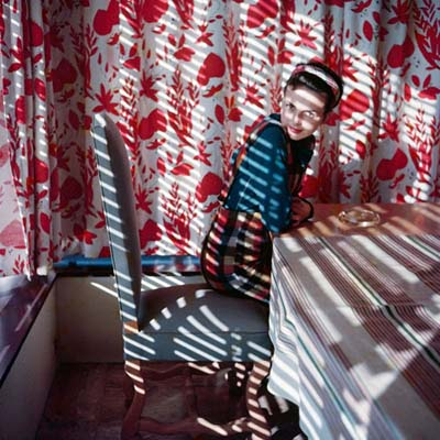http://tumblr.vintag.es/post/155351105660/life-in-color-through-jacques-henri-lartigues