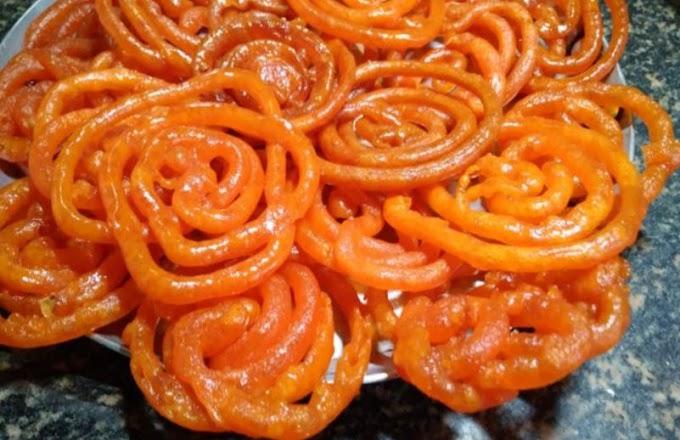 Jalebi Recipe in hindi: जब कुछ मीठा हो खाना तो झटपट बनाएं टेस्टी जलेबी, नहीं भूलेंगे मिठास