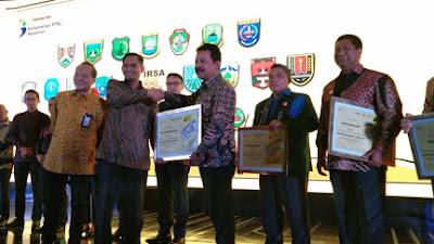 Padang Panjang Terima Penghargaan Indonesia Road Safety Award (IRSA) 2019
