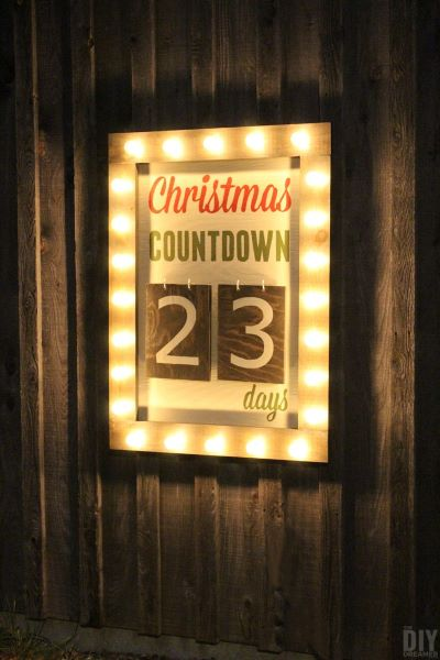 Cute outdoor Christmas countdown marquee is a unique way to countdown to Christmas
