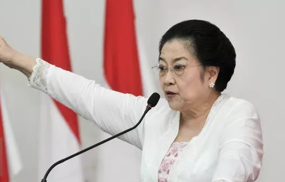 Keras! Megawati Bicara Sanksi Pemecatan Kader PDIP di Depan Ganjar