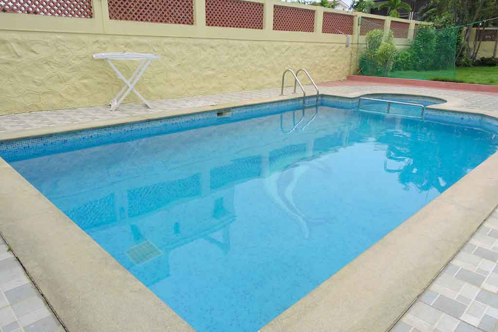 beach house in ecr low price