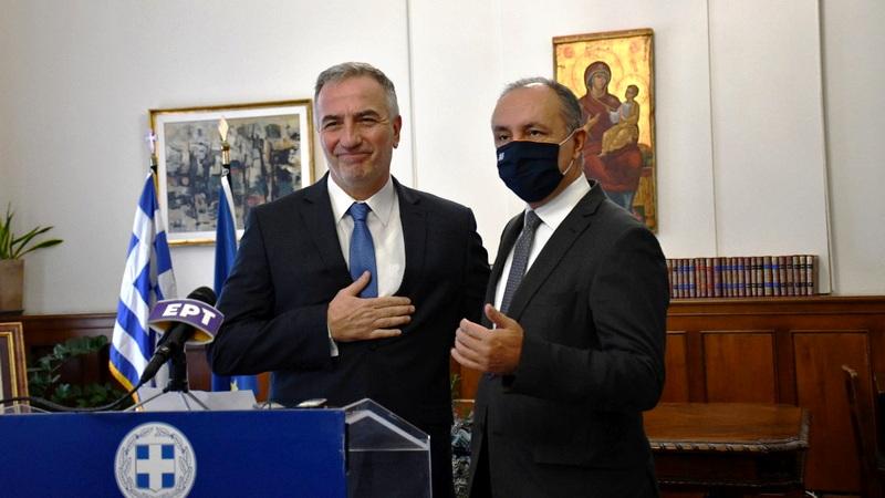 Η τελετή παράδοσης - παραλαβής στο Υφυπουργείο Μακεδονίας - Θράκης