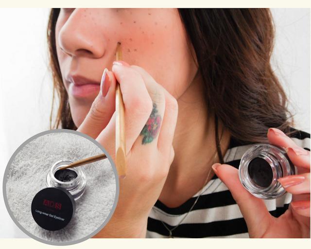 Como fazer sardas falsas com maquiagem