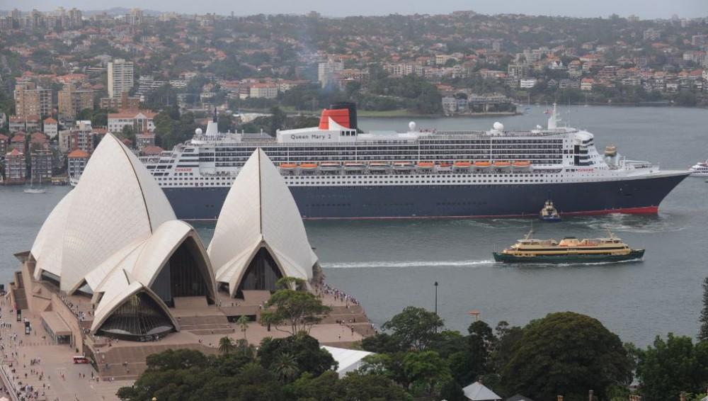 Cunard QM2 in Australia