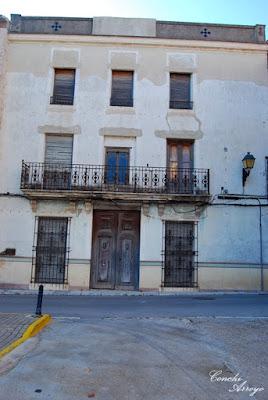 Casa interesante colindante con la Gran Casa en Torreta, típica del apogeo económico rural de los siglos  XVIII y XIX