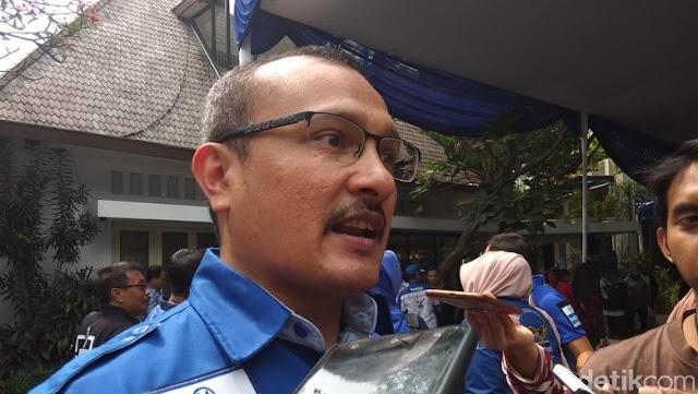 Demokrat: Biar Jokowi Jadi Presiden Survei!