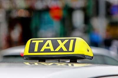 Cartel de un taxi de transporte en Reikiavik