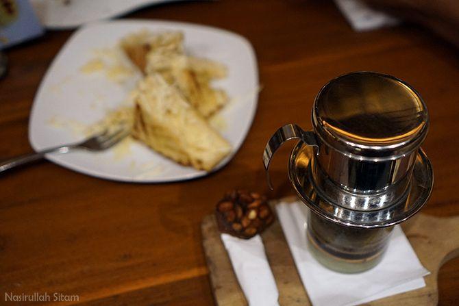 Sajian kopi dengan metode Vietnam Drip