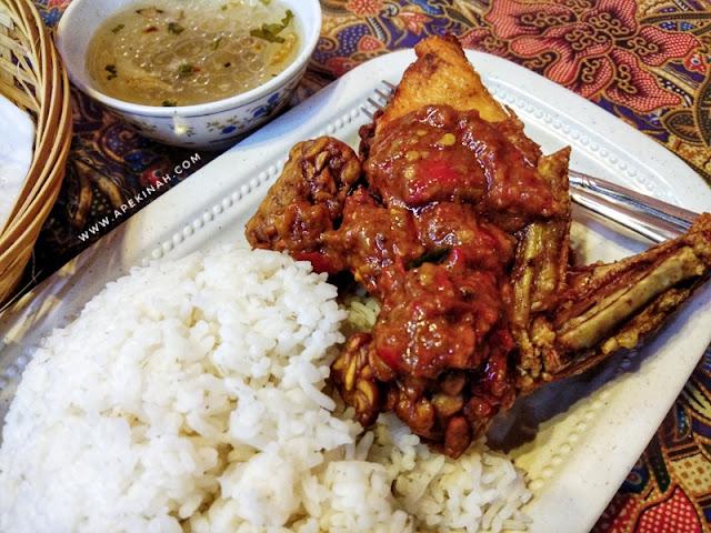 Nikmati Ayam Geprek Di Kampung Station KL Traders Square