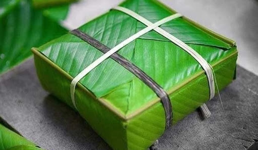 Banana Leaves as Natural Packaging to Reduce Plastic