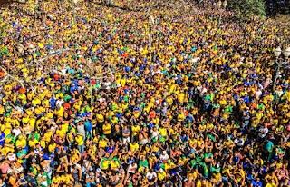 População do Brasil passa de 210 milhões