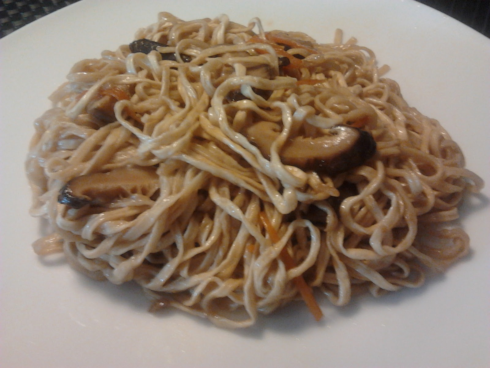 Shan S Recipes Braised Ee Fu Mian Noodle With Chinese Mushrooms Hong Kong Yee Mian