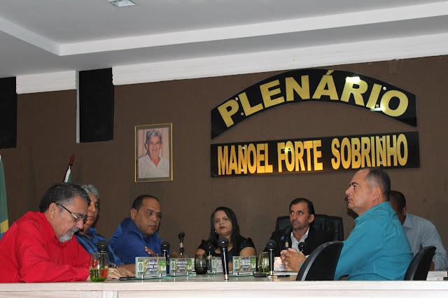 Sessão Ordinária da Câmara Municipal de Vereadores de Viçosa-RN, discuti melhorias para a população do município.