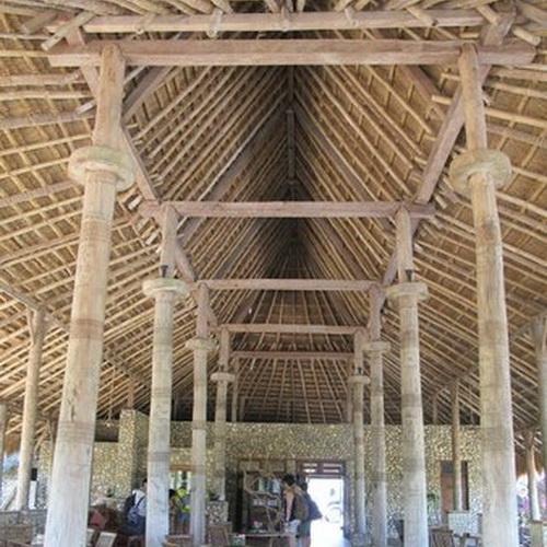 Tinuku.com Nautil Sumba Resort on Marosi beach presenting Sumba island ethnographic into restaurants architecture