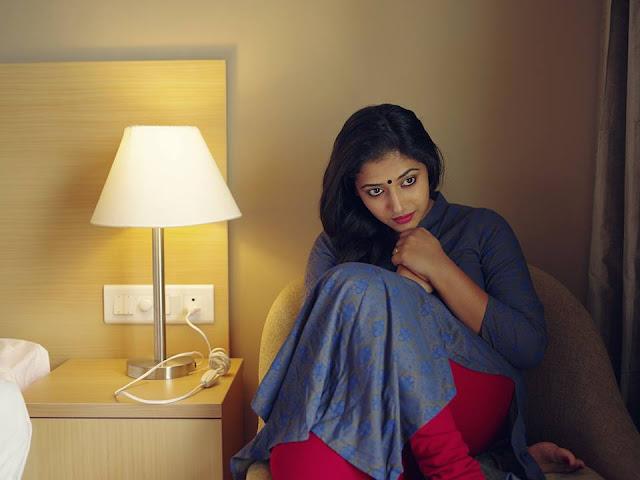 South Indian Actress Anu Sithara Latest Cute Pics Navel Queens
