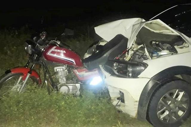 Homem morre após colisão entre carro e motocicleta na BR-030, em Guanambi