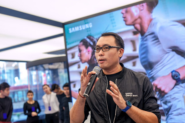 Samsung's Product Trainer, Austin Ng, explaining the key features of the Gear Sport, Gear IconX and Gear Fit2 Pro