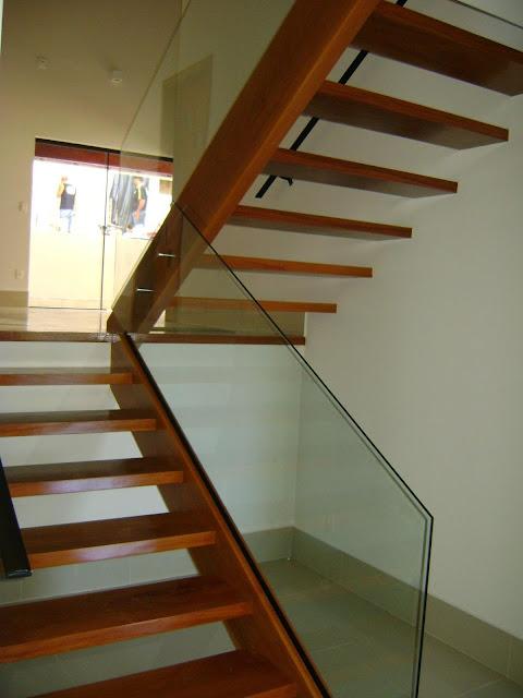 escada-contemporanea-arquitetura