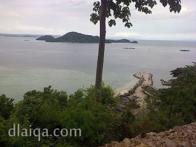 pemandangan indah dari atas bukit (2)