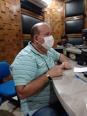 Em entrevista na Rádio Cidade de Pedreiras, Fred Maia pede vacina para os profissionais da educação.