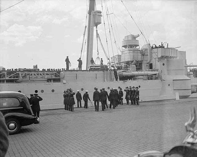 USS Omaha bringing home the body of the deceased US Ambassador to Cuba, 11 December 1939 worldwartwo.filminspector.com