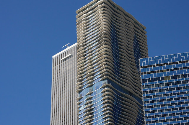 Aqua-Tower-Chicago-balconi-effetto-onda