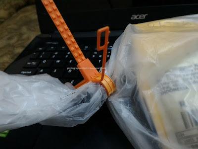 Segel pengaman dari PT Pos Indonesia