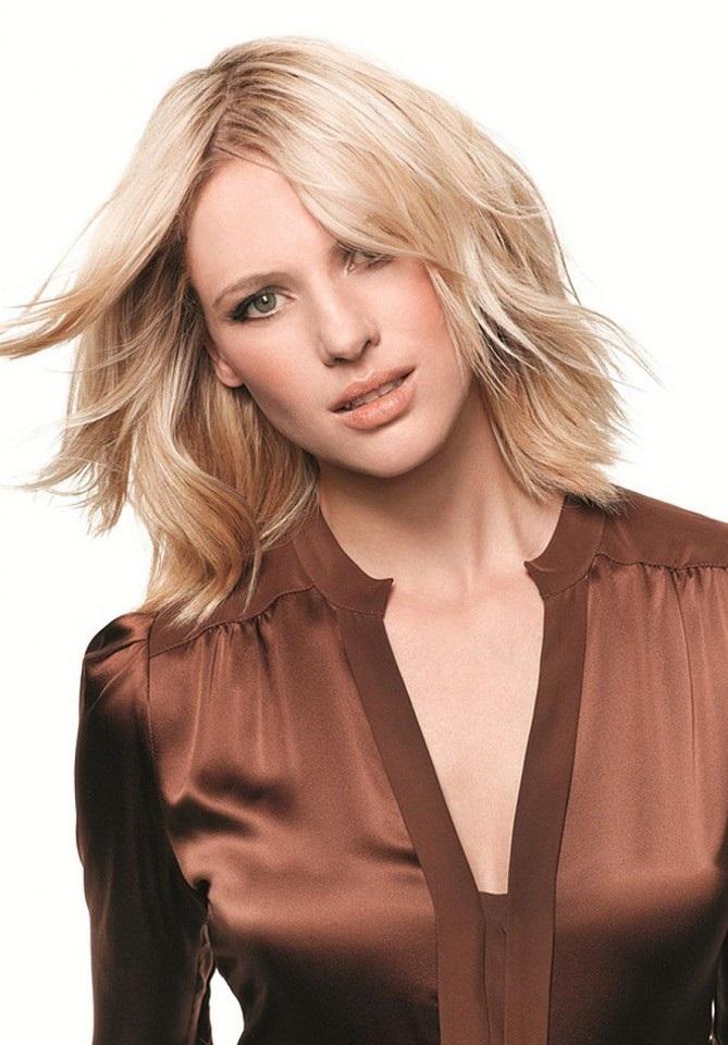PROM HAIRSTYLES FOR SHORT HAIRS: Short medium haircut