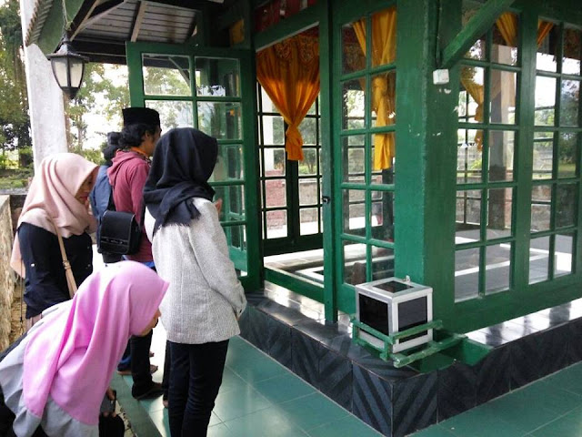 PMII Unanda Ziarahi Makam Para Penyebar Islam di Luwu Raya