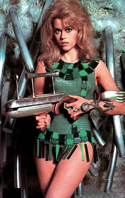 1960s Sci-fi Chic: 22 Rare and Funny Vintage Behind-the ...