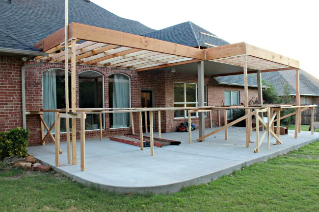PATIO PROJECT {FRAMING AND ROOF} - Dimples and Tangles