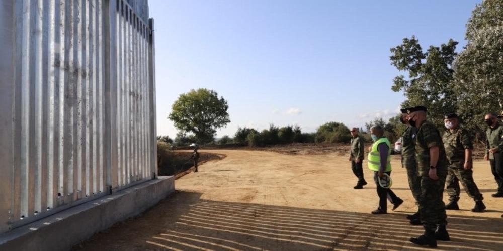 Έβρος: Δεν αρέσει ο φράχτης στους Τούρκους – Βρίζουν σε άπταιστα ελληνικά και προκαλούν
