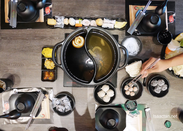 So much fun eating, and enjoying the Authentic Taiwanese Steamboat