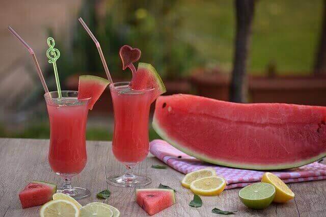 رجيم سحري لانقاص وزنك باستخدام عصير البطيخ