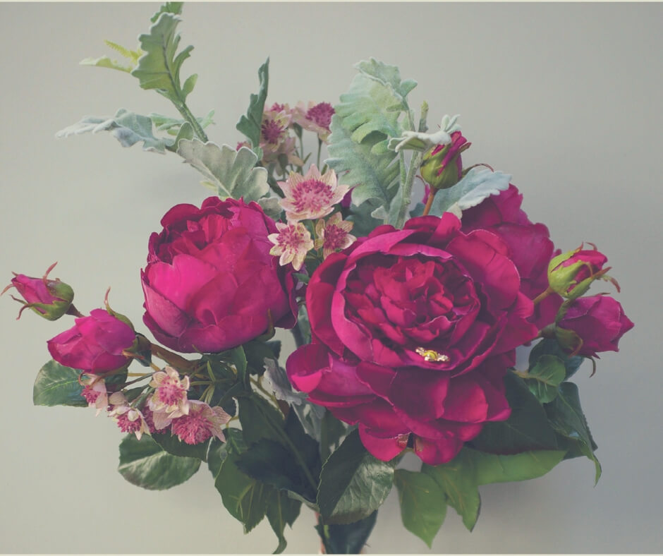 Christmas Gift Ideas For Your Mother In Law | All mums like flowers, but I bet they like flowers that don't die even more!
