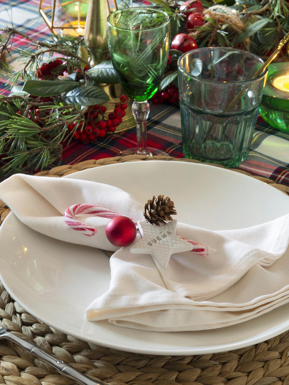Nuestra mesa navideña en cuadros escoceses7