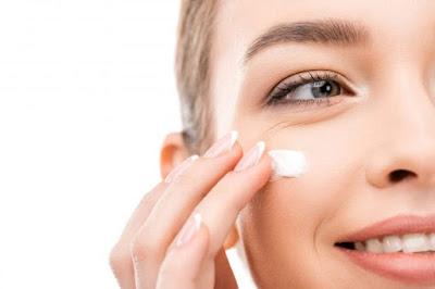 Perlu Ke Pakai Sunscreen Dalam Rumah?
