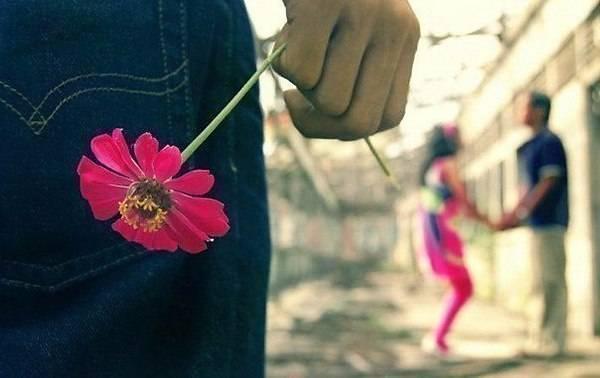 Jika Kamu Mencintainya, Satu Hal Pasti Adalah Bahagia Melihatnya Bahagia