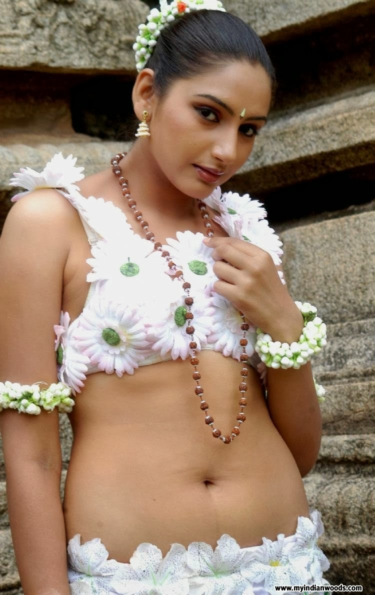 ragini dwivedi biography